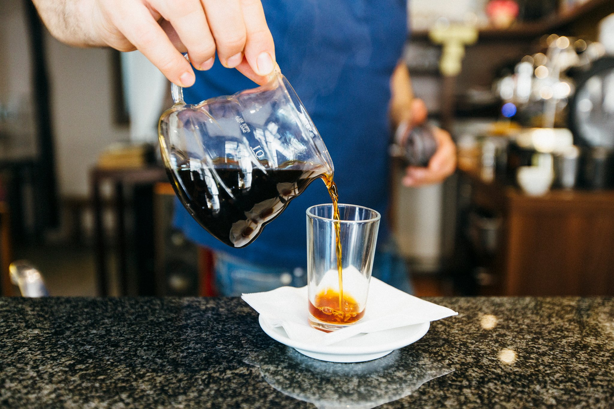 Viens boire du bon café à la caféothèque !